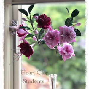 クレイで作ったフクシアの花が美しい♡特別レッスン生徒さん作品♪