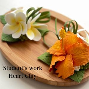トロピカルなお花もクレイで作ると可愛い〜♡生徒さん作品♪