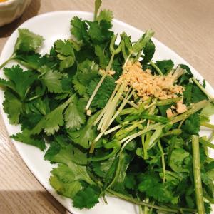 【食】バインセオサイゴンでネギとかパクチーとか