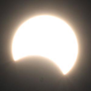 韓国・江原道で部分日食観測!~緯度が高いので思ったより欠けず~