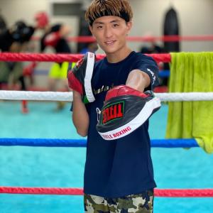 【モデル兼プロボクサーの施術】