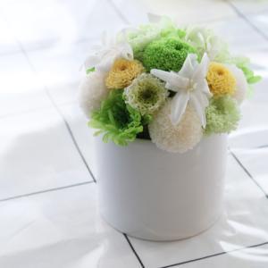 ホワイトグリーンが爽やか♪仏花アレンジ