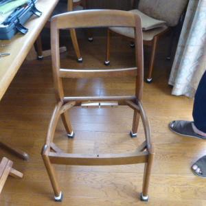 悩む椅子の張替え