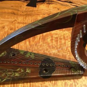 秋草図ハープ