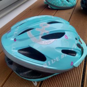 ヘルメットは OGK KABUTO