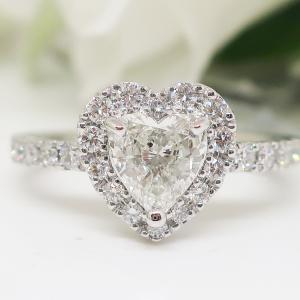 憧れのハートシェイプカットのダイヤモンドリングもセール価格に・・・