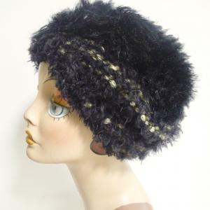 黒のボリューミー帽