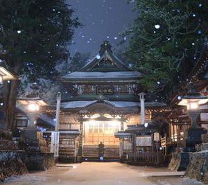 雪夜の別所温泉。