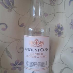 「ANCIEN CLAN BLENDED SCOTCH WHISKY(エンシェント・クラン)」久しぶりに引いちまったスモーキーテイスト。