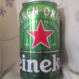 「Heineken(ハイネケン)」は箱買いして飲むたびにデザインが変わってるな~~~