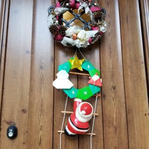 玄関まわりをクリスマス仕様に変身!