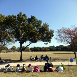 七瀬川自然公園でかかし祭り
