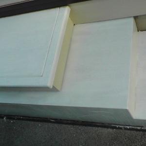勝手口の階段を再々塗装