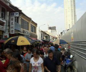 今日4日からマレーシアでほぼ全ての経済活動が再開!?