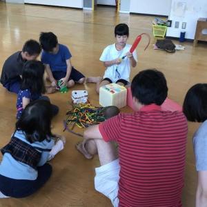 みんなで並んでえいっ!栄町児童館、パパと児童館であそぼう(2019年9月)