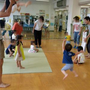 きれいな音色でハンドベル♪栄町児童館、パパと児童館であそぼう(2018年7月)