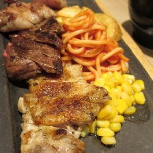 軽井沢・プリンスショッピングプラザ * フードコートで「白浅間うどん」と「信州ミックスプレート」を食す!