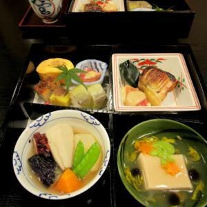 日本料理 喜一 * 母とのランチ~秋の松花堂弁当♪
