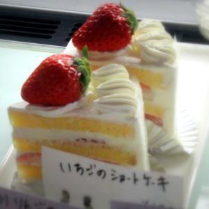 La theiere/ラ・テイエ * 明日までご来店でチーズケーキプレゼント♪