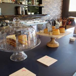 ELEVENSES TEA ROOMS * バラ園に面した英国菓子の美味しいティールーム♪