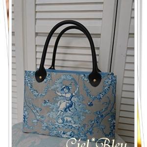 ブランコに乗った少女の生地がすてきなバッグ*自宅アトリエ教室レッスン生徒様作品