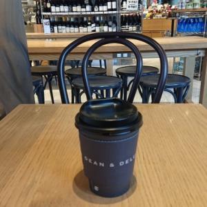 ホットコーヒーでホッと一息 ディーン&デルーカ@広尾