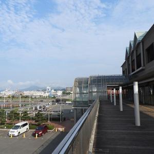 呉中央桟橋ターミナル2階デッキから見た空。8月2日08:30分頃