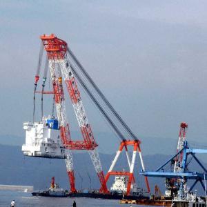 WAN HAI 32璀春コンテナ船 のブリッジの海上輸送(その2)