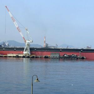 TANZAWA 丹沢 タンカー船の船尾には【朋栄 HOU-EI】