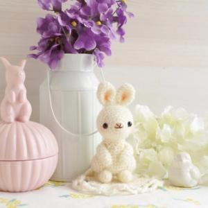 出品予定①モヘア毛糸の子ウサギちゃん。