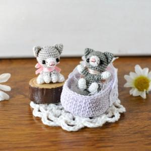 出品予定④⑤刺繍糸の小さな猫ちゃんず。