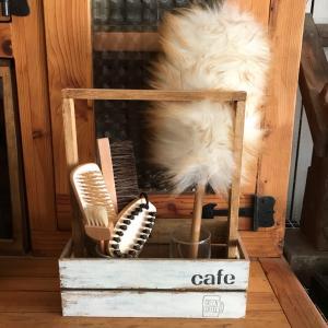 セリアの天然木豚毛の「毛玉取りブラシ」で毛玉取ってみました。
