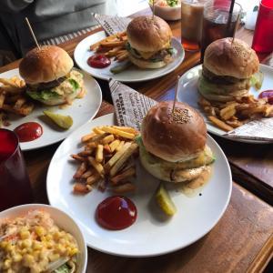 肉肉しいハンバーガーのカフェとハッピーハロウィン!!