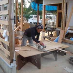 家具工事2/針葉樹合板製ワーキングテーブル1
