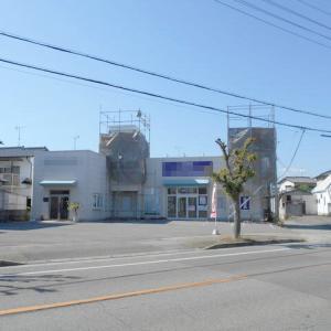 兵庫県 高砂市中島 JR宝殿駅から徒歩17分 通りから目立つ建物 駐車場あり 物販や事務所として 1階テナント