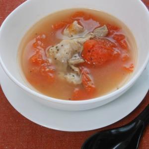 シンプルなのが美味しい!トマトと豚肉の生姜スープ。