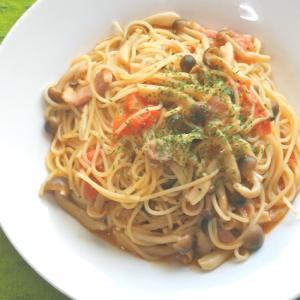フライパンひとつで簡単!トマトとしめじとベーコンのスパゲティ。