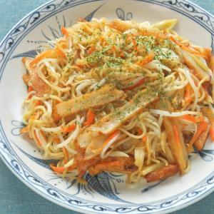 1日の半分の野菜が摂れる!セロリとさつま揚げの塩レモン焼きそば。