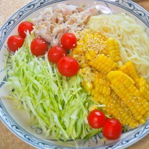 1/2日分以上の野菜が摂れる!嬬恋高原キャベツと豚しゃぶのごまだれ冷やし中華。