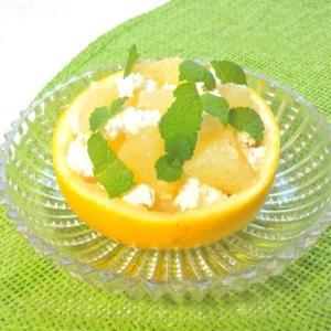 簡単でおしゃれで食べやすい〜グレープフルーツとカッテージチーズのサラダ。