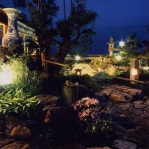 風我里作の本格的な日本庭園