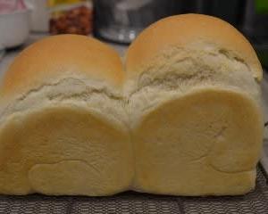 デコボコ山食パン♪