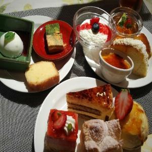 【復活】三島プラザホテル『M'sレストラン エムズ・レストラン (旧カフェレストラン・セゾン)』のSweet × Sweets ケーキビュッフェ・ケ-キ食べ放題・ケ-キバイキング・スイーツブッフェ・デザートビュッフェに(2021年4月)♪♪♪♪♪♪
