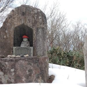 医王山は雪無かった・・・