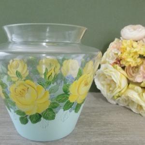 イエローローズのガラス花瓶