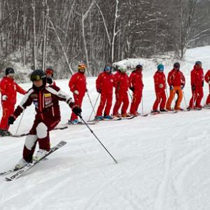 スキーレッスンの適性価格