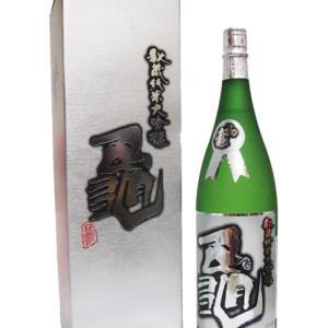 初亀 ( はつかめ ) 純米大吟醸 『亀』化粧箱入り 入荷しました!