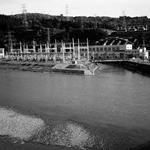 信濃川発電所。
