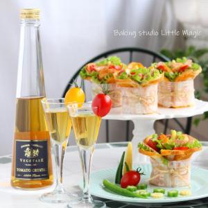 黄金色に輝くトマトジュースとイタリアンなお花サンドイッチ♪