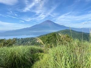 山の日だから富士山を望む山へ。